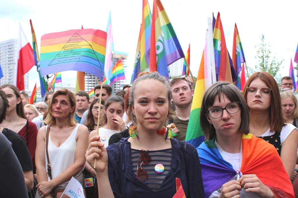 Manifestacja przeciw przemocy w Warszawie