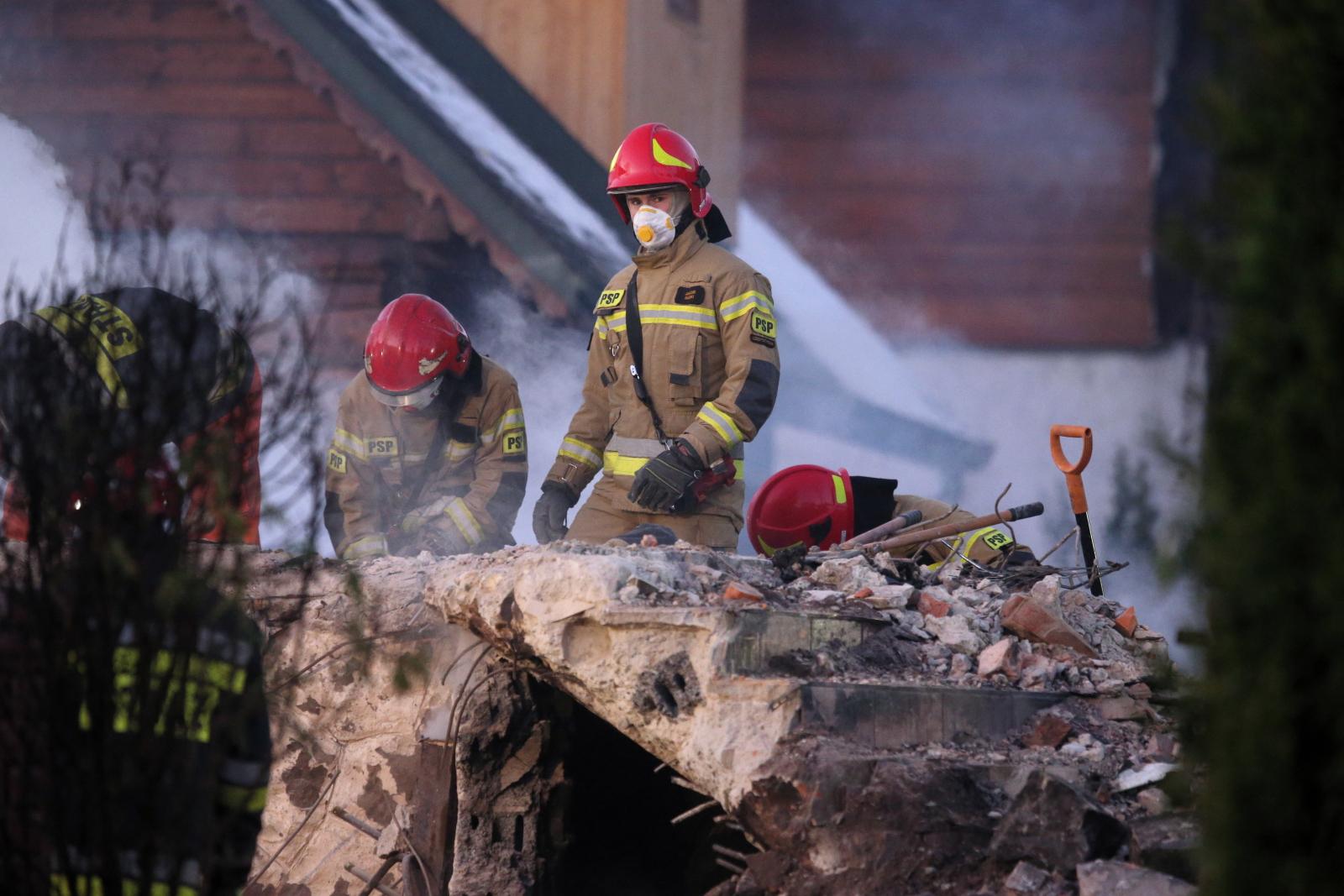 Akcja ratunkowa w miejscu wybuchu gazu w Szczyrku rozpoczęła się około godziny 19 w środę