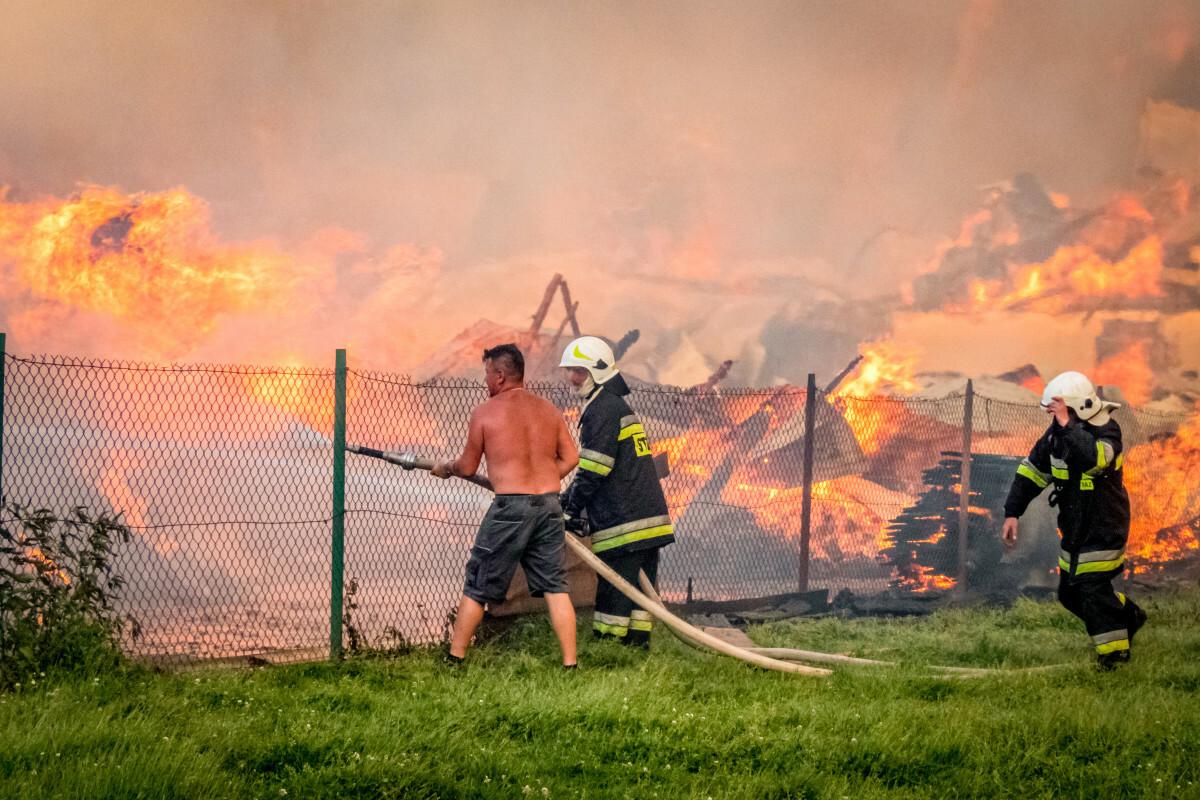 Pożar w Nowej Białej. Akcja gaśnicza