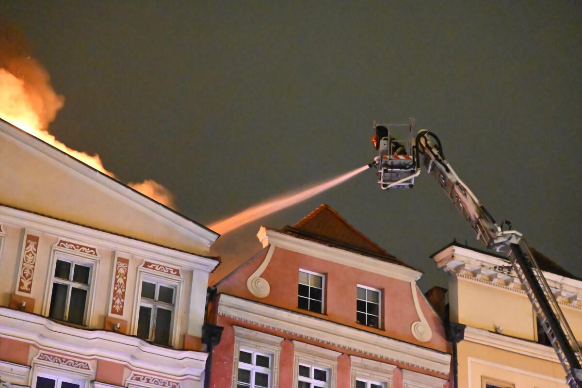 Pożar w Świdnicy. Spłonął dach zabytkowej kamienicy