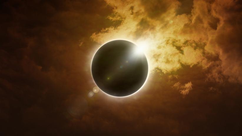 Całkowite zaćmienie Słońca. Oglądaj NA ŻYWO