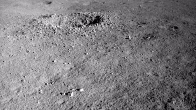 """Tajemnicza substancja znaleziona na Księżycu. """"Ma niezwykły kolor"""""""