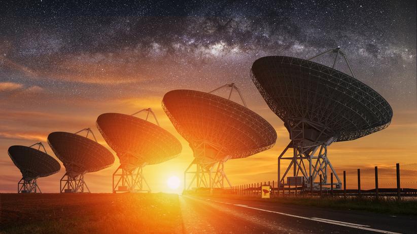 Odebrano tajemniczy sygnał z odległej galaktyki. Skąd pochodzi?