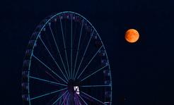 Zaćmienie Księżyca waszym okiem. Tak wyglądał Srebrny Glob w cieniu Ziemi