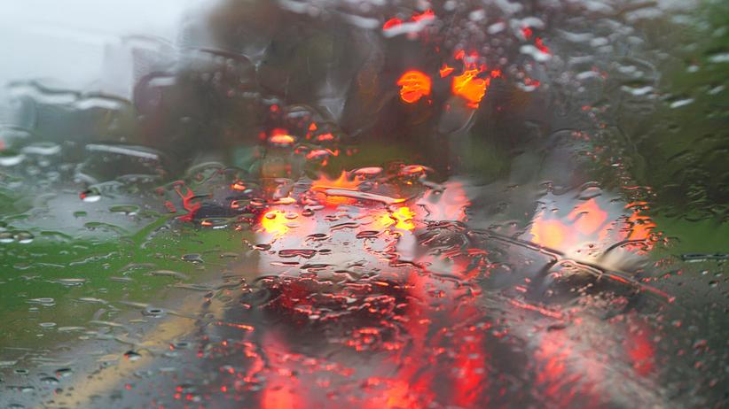 Deszcz i wiatr, pogoda na 14 października
