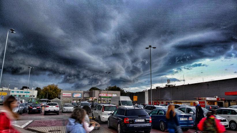 Gdzie jest burza? Alerty pogodowe przed burzami z gradem dla części kraju