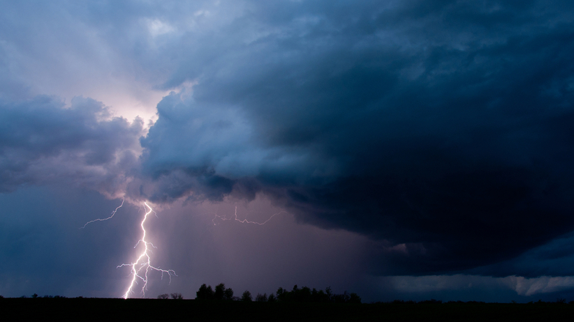Burze na południu Polski. IMGW wydał ostrzeżenia