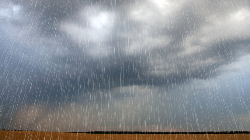 Nagła zmiana pogody. IMGW ostrzega: gwałtowne deszcze i zagrożenie powodzią