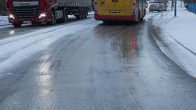 """IMGW ostrzega. """"Szklanka"""" na drogach w prawie całym kraju"""