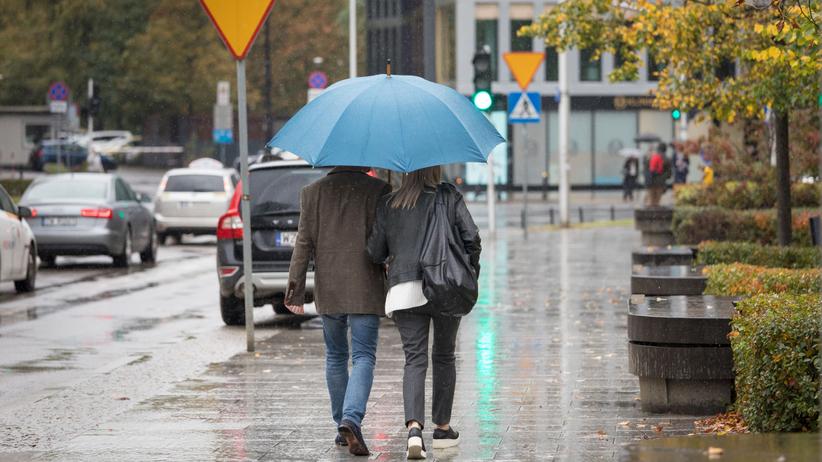 Pogoda na dziś - piątek 15 listopada. Pochmurno i mokro, ale w weekend cieplej