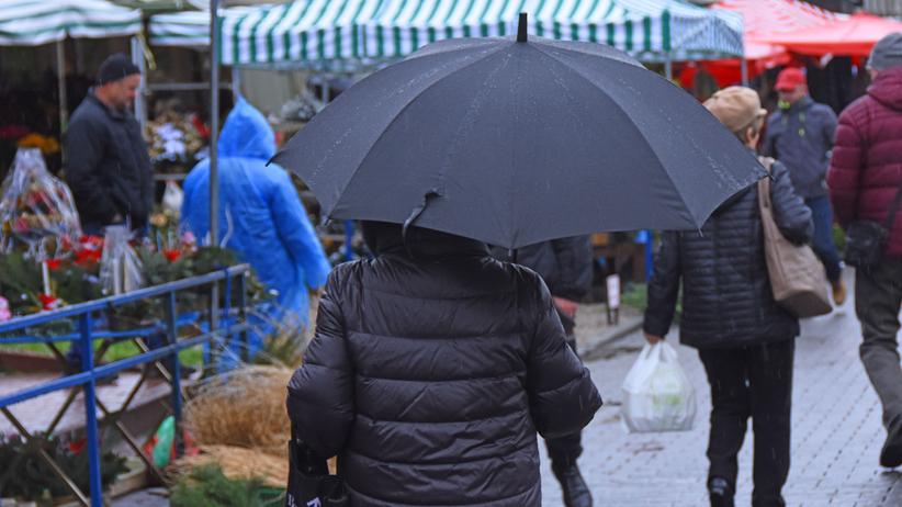 Pogoda na środę. Niż Bianca nad Polską. IMGW ostrzega przed marznącymi opadami