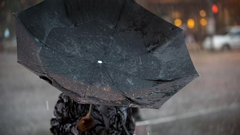 Pogoda 12 października 2021. Deszcz i załamanie pogody