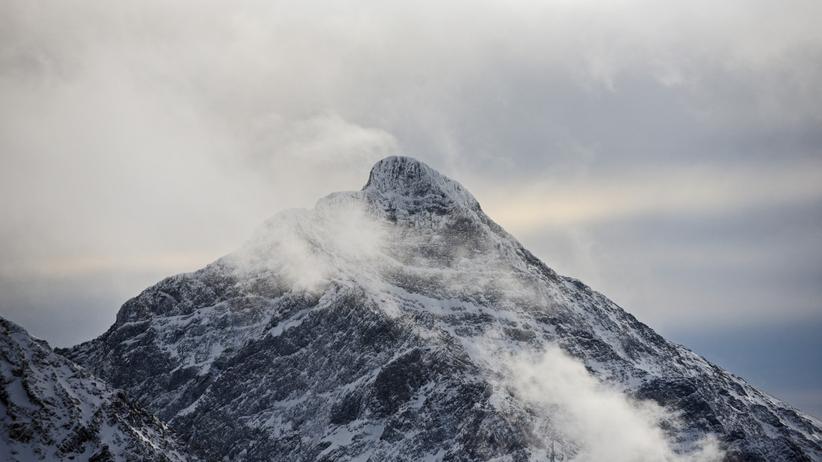 Pogoda w Tatrach. Śnieg, deszcz i wiatr. Będzie niebezpiecznie