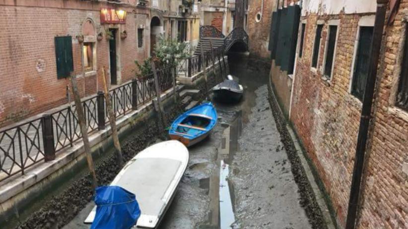 Pogoda. Wenecja wysycha. Wody w kanałach jest tyle ile w kałużach