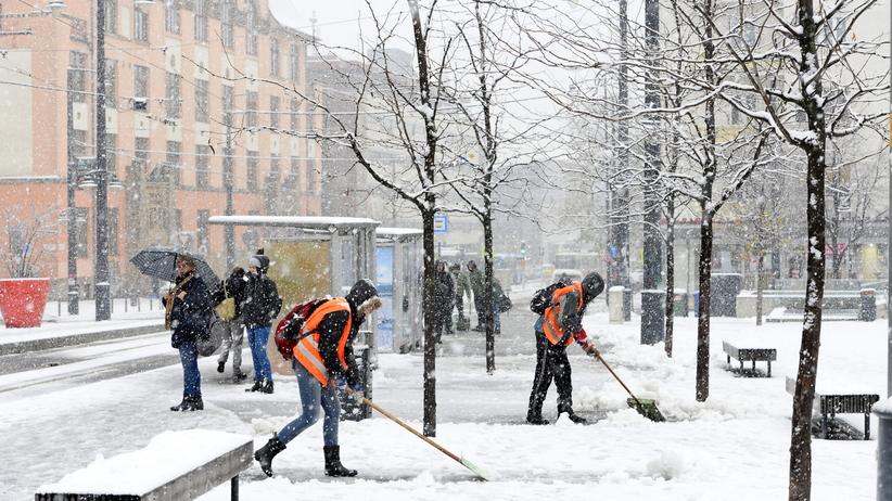 Pogoda. Zima atakuje na Węgrzech. Budapeszt sparaliżowany po śnieżycy
