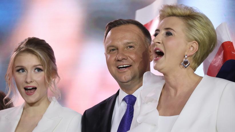 """Agata Duda przemawiała dłużej niż prezydent. """"Uchylę rąbka tajemnicy"""""""