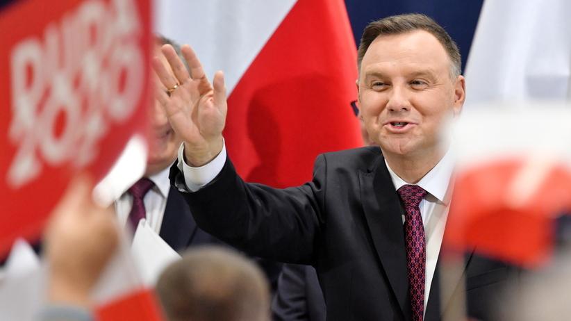 """Duda w Kozienicach. Chwalił PiS i krytykował opozycję. """"Pozwalali nas okradać"""""""