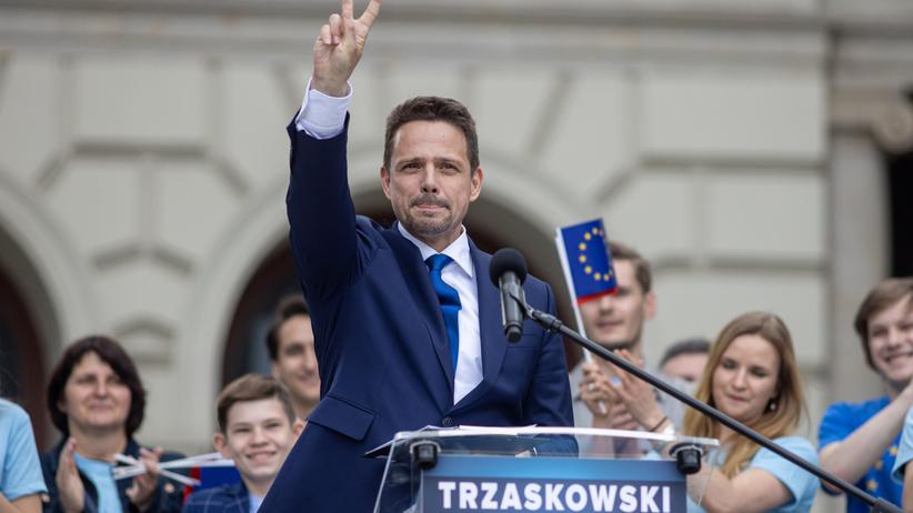 Sondaż kandydatów na prezydenta. Trzaskowski depcze Dudzie po piętach