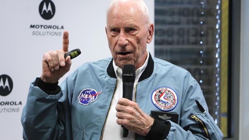 Al Worden, astronauta misji księżycowej Apollo 15: - W przetrwaniu pomogła mi codzienna rutyna