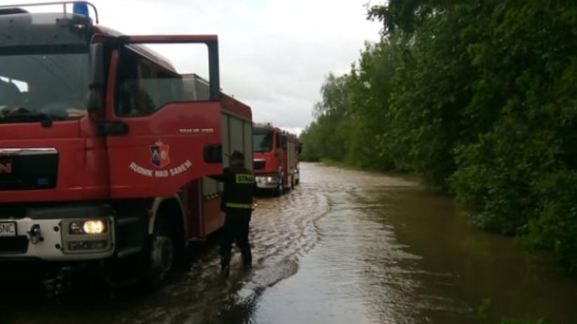 Alarm powodziowy w Małopolsce. Pęka wał w miejscowości Suchy Grunt