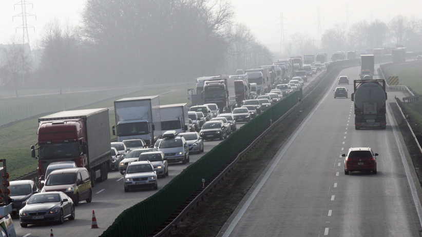 Wypadek dwóch ciężarówek na A4. Utworzył się 9-kilometrowy korek