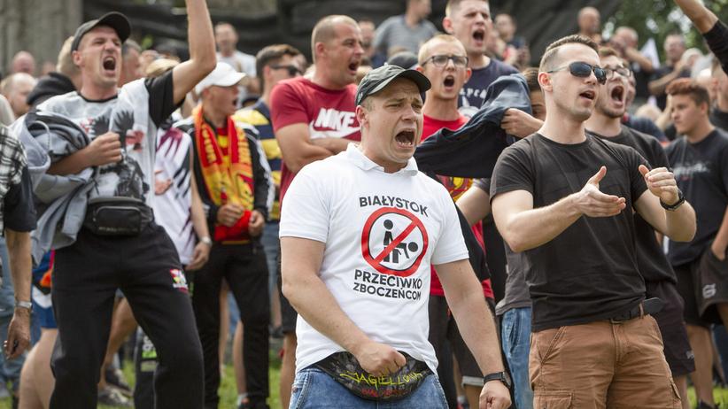Ponad 100 agresorów z Białegostoku zidentyfikowanych przez policję