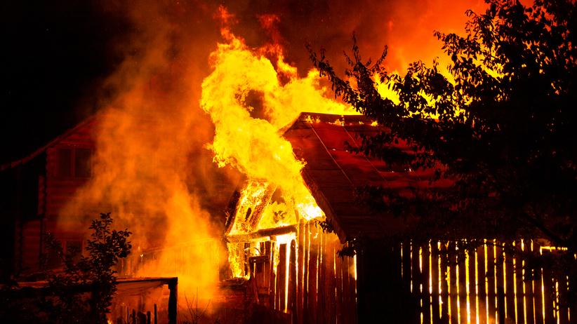 Dramatyczny pożar domu rodzinnego. Nie żyje jedna osoba