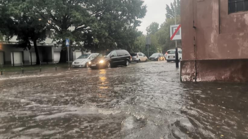 Burza nad Łodzią. Woda zalała szpital. SOR się suszy