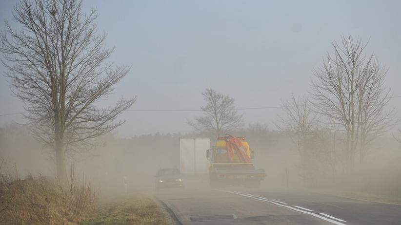 Pył saharyjski dotrze nad Polskę. Spadnie brudny deszcz