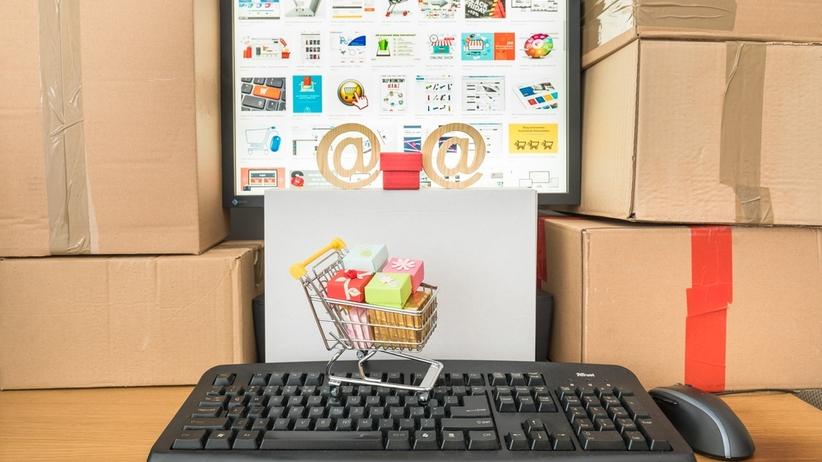 CBOS: 70 proc. Polaków korzysta z internetu przynajmniej raz w tygodniu
