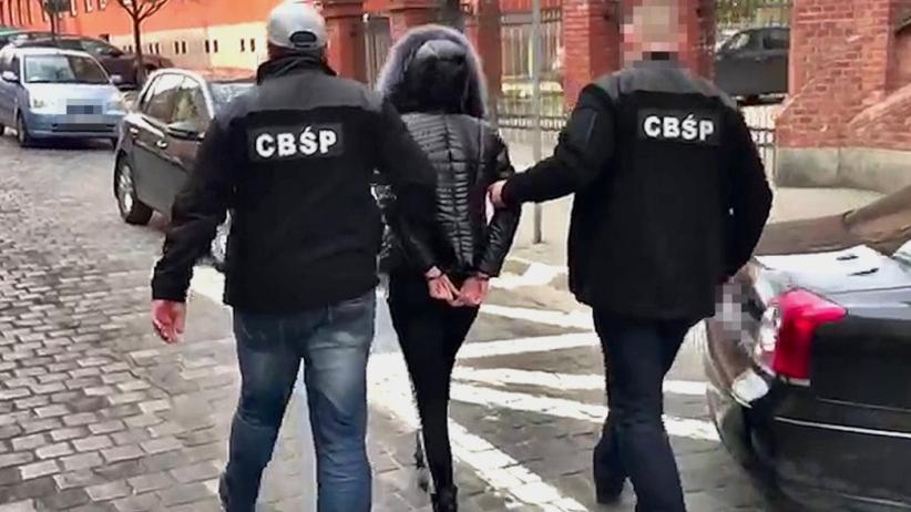 CBŚP rozbiło gang sutenerów. Wysyłali kobiety za granicę