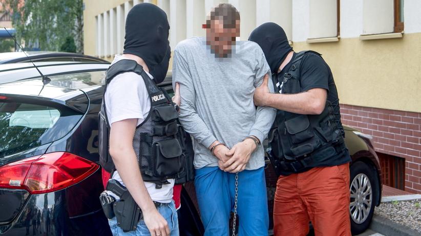 Usiłowanie zabójstwa, gwałt i tortury. Gwałciciel z Chełmży usłyszał zarzuty