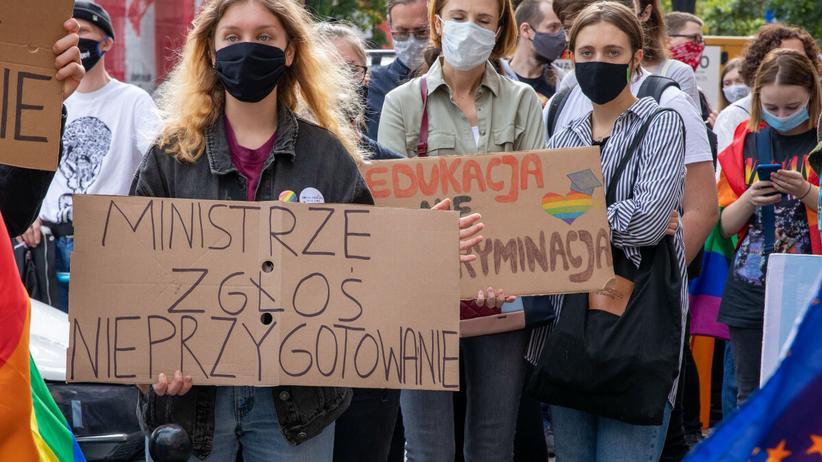 Protest przeciw nominacji Przemysława Czarnka na ministra edukacji
