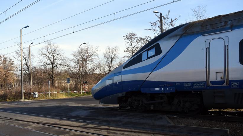 Koszmar na torach. Pod kołami pociągu zginęła jedna osoba