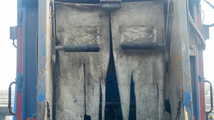 Śmieciarka śmiertelnie potrąciła 2-latka. ''Nie widzieli nikogo na drodze''