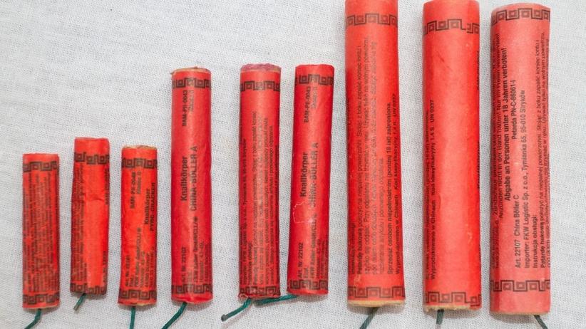 Odpalała fajerwerki przed aresztem w Elblągu