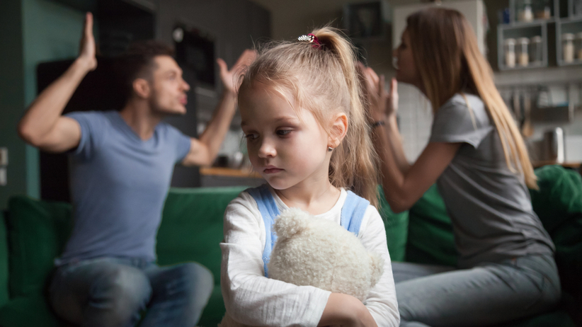 Epidemia a dzieci z podzielonymi rodzicami