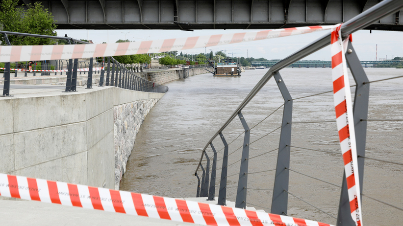 Fala kulminacyjna w Warszawie. Ratusz zamyka bulwary