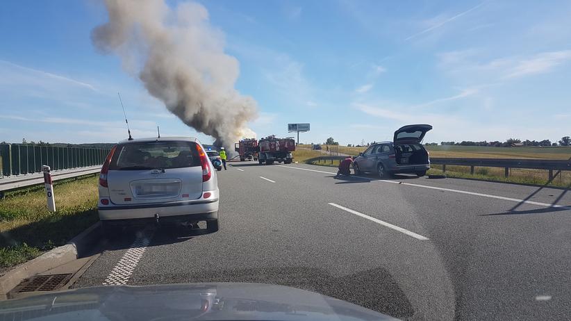 Na A1 płonie samochód. Jezdnia w kierunku Gdańska zablokowana