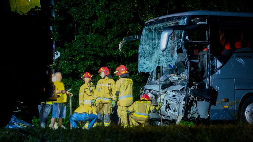 Gliwice wypadek busa i autokaru na dk88