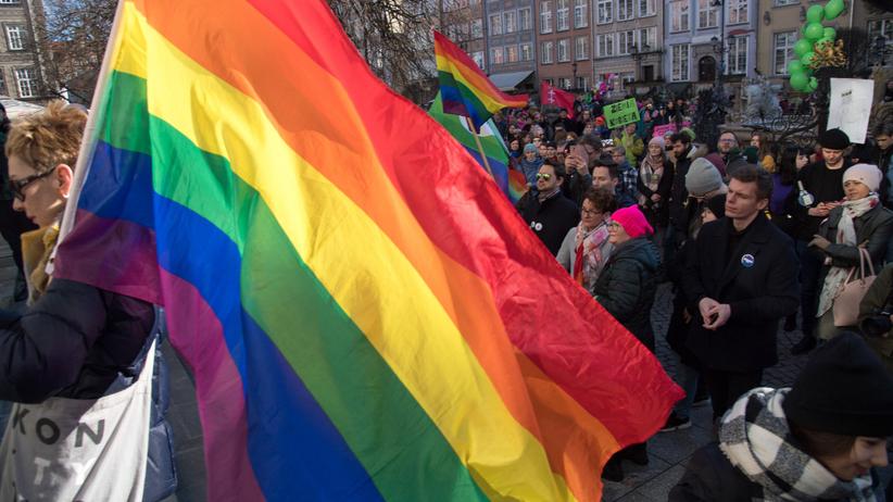 """Polska liderem homofobii w Unii Europejskiej. """"Przerażająca rzeczywistość"""""""