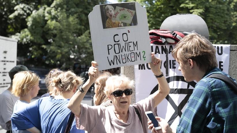 """Inga Zasowska i Wakacyjny Strajk Klimatyczny. Protestują """"polskie babcie"""" i Magdalena Adamowicz w Gdańsku"""