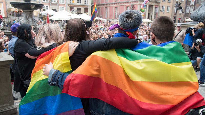 Akcja #jestem LGBT. Tysiące Polaków przeciwko agresji i homofobii
