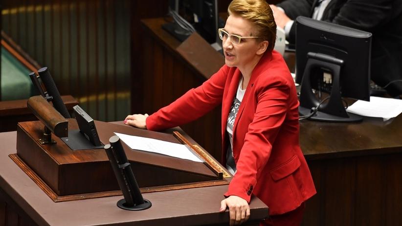 """Joanna Scheuring-Wielgus ostro o zachowaniu posła Nitrasa w Sejmie: """"Żenujące wykorzystanie krzywdy ofiar"""""""