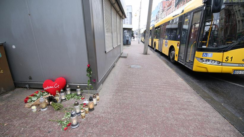 Katowice. Policjanci zawieszeni za wyciek zdjęć zwłok z wypadku