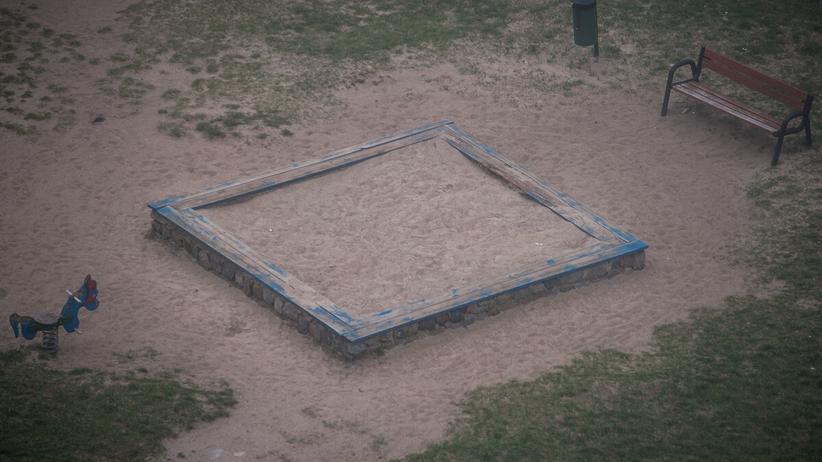 Plac zabaw - zdjęcie ilustracyjne