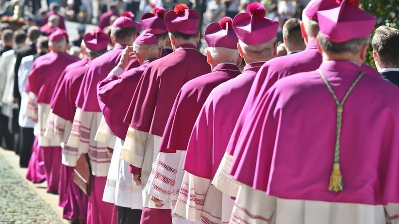 Wiosna zawiadamia prokuraturę. Chodzi o tuszowanie problemu pedofilii przez biskupa kieleckiego
