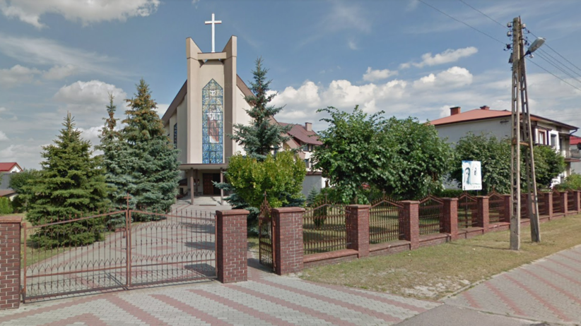 Kobieta powiesiła się przed kościołem. Wcześniej wysłała pożegnalnego SMS-a