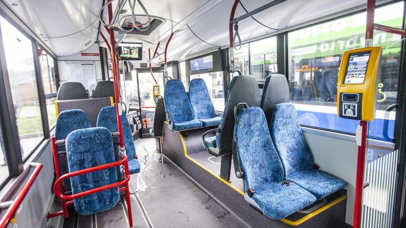 Dezynfekcja autobusów i żele antybakteryjne dla kierowców. Powodem koronawius