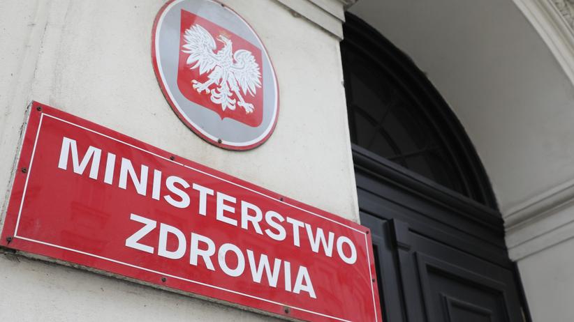 W Polsce robi się coraz mniej testów na koronawirusa? Niepokojące dane